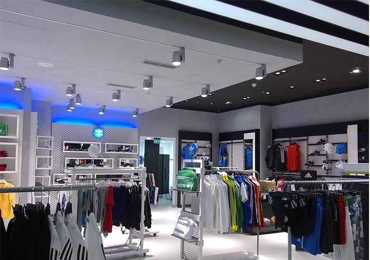 Amenajare  Adidas in Atrium Mall Arad